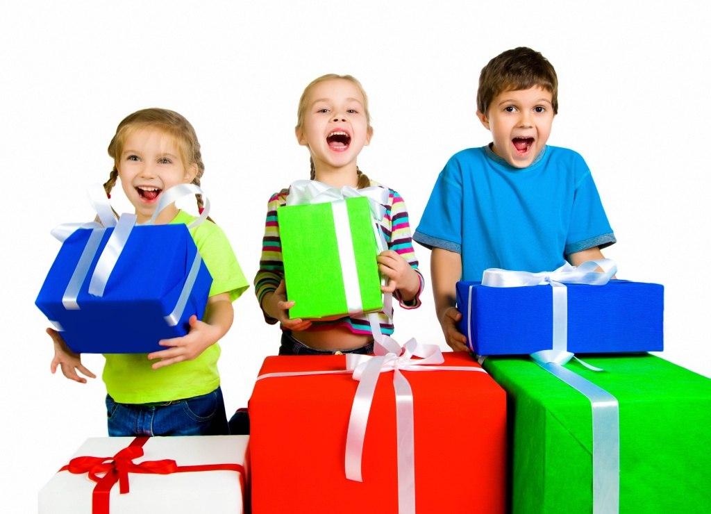 что подарить воспитателю в детском саду на новый год от себя лично