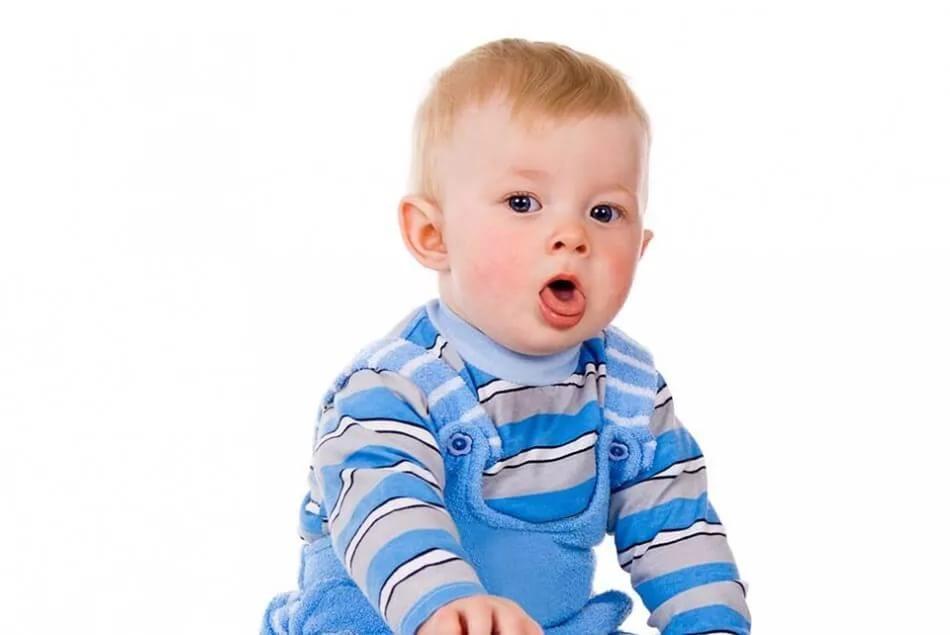У ребенка 11 месяцев сухой кашель как лечить