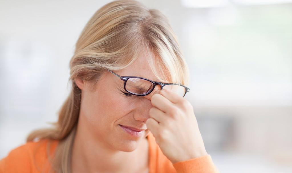 Резко нарушения зрения головокружение