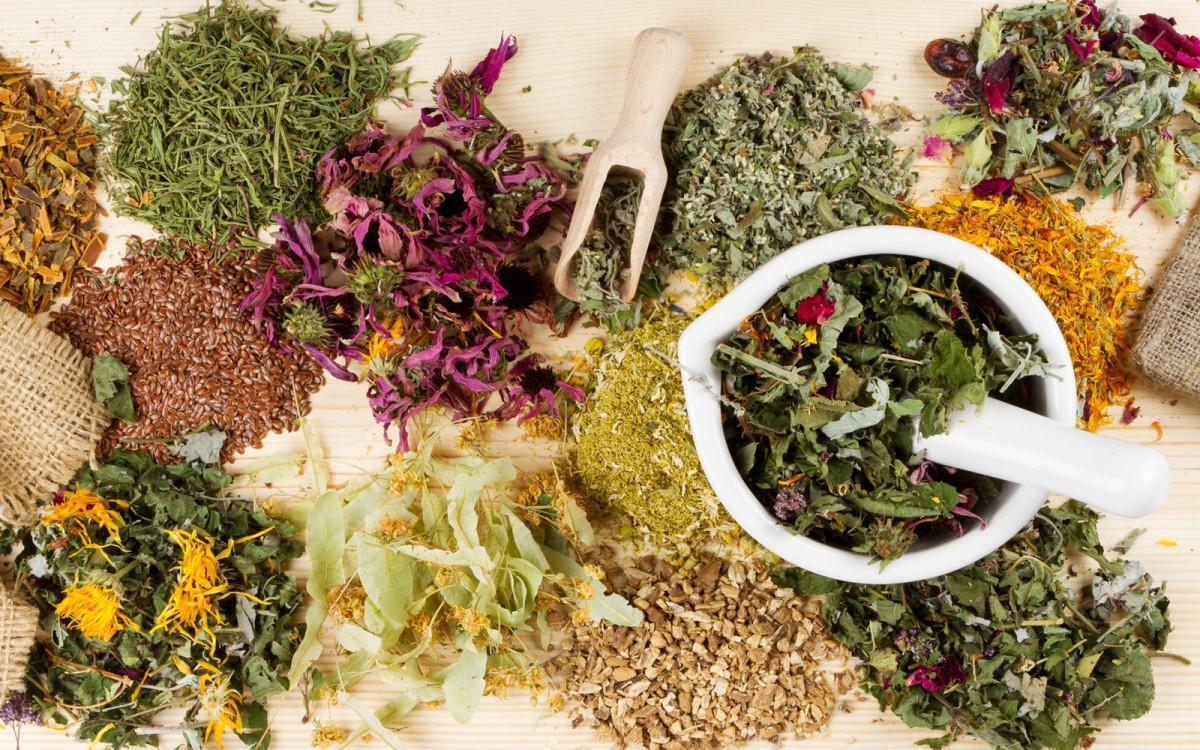 Травы при климаксе при приливах: душица, иван-чай, шалфей и другие сборы при менепаузе