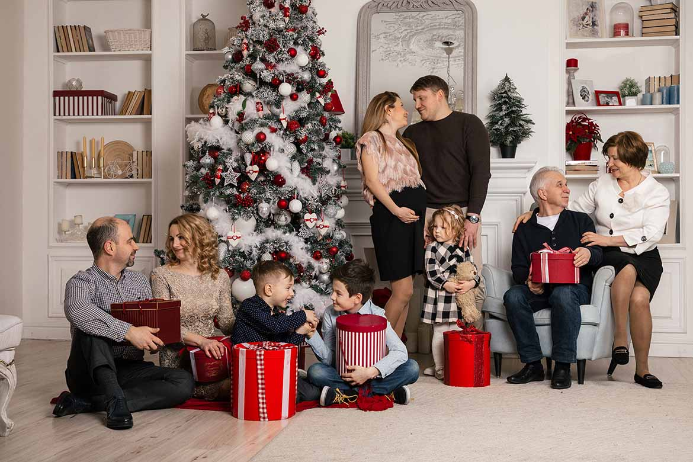 подарки всей семье картинки новый год просто отдыхает, наслаждается