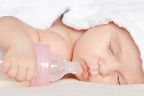 Как кормить недоношенных детей смесью