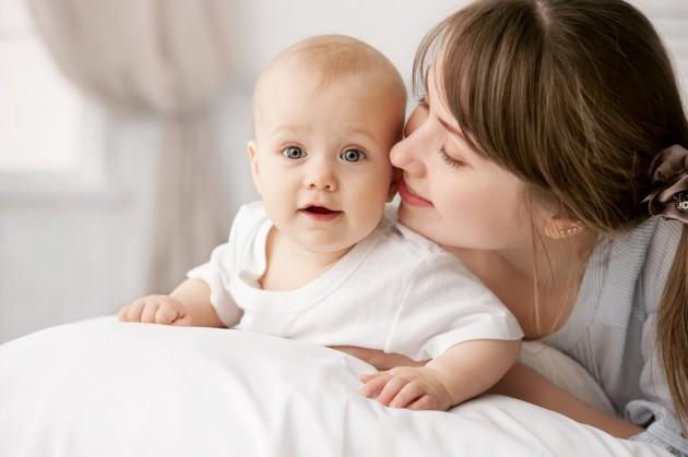 Пупочная грыжа у новорожденного