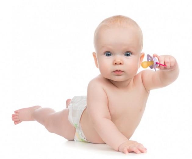 Пустышка для новорожденного: за и против
