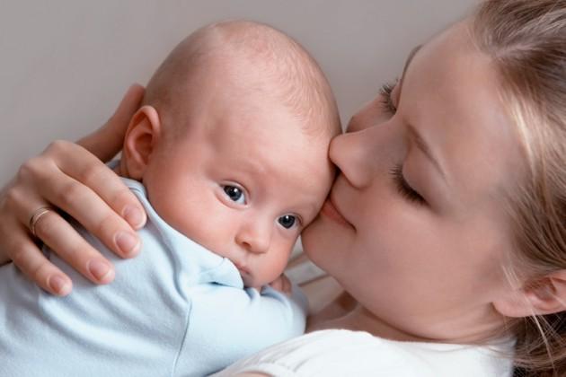 Цветение (гормональная сыпь) у новорожденных