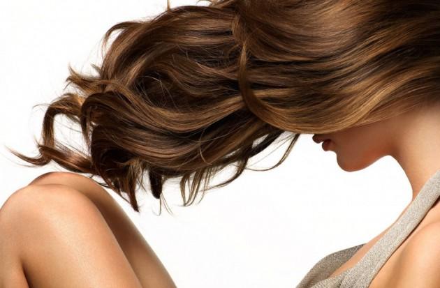 Как справиться с выпадением волос? Простые и эффективные средства