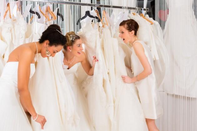 Примерка свадебных платьев: 10 важных правил