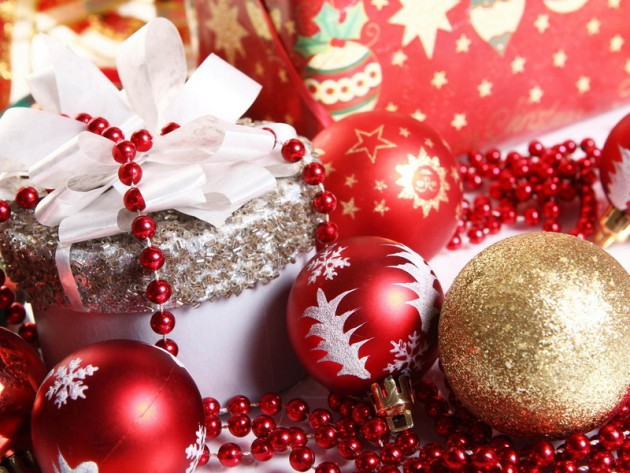 Поздравления с Новым годом в стихах для родственников, друзей и коллег