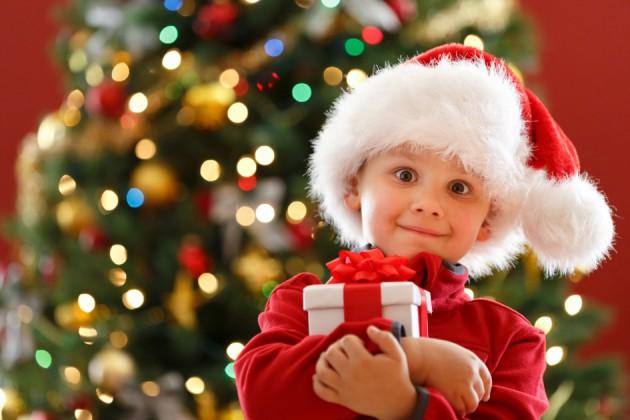 Что подарить детям из детского сада на Новый Год?
