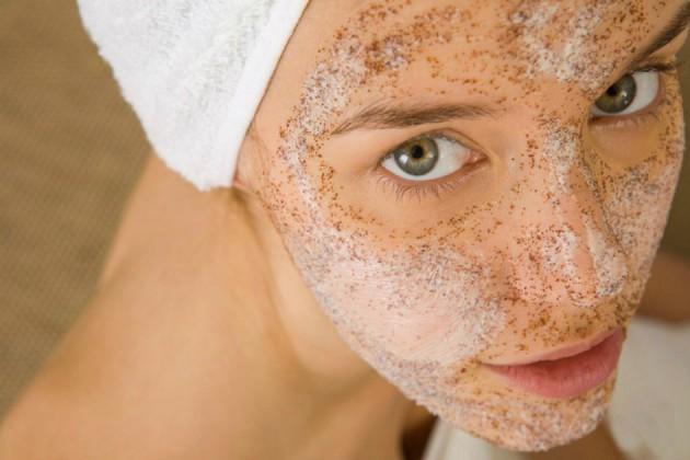 Правила выбора скраба для кожи лица