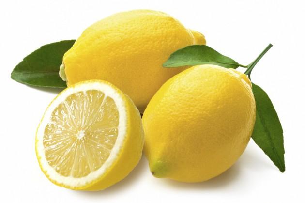 Можно ли кормящей маме есть лимон?
