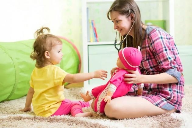 Выбор няни для малышей: как сделать его правильно?