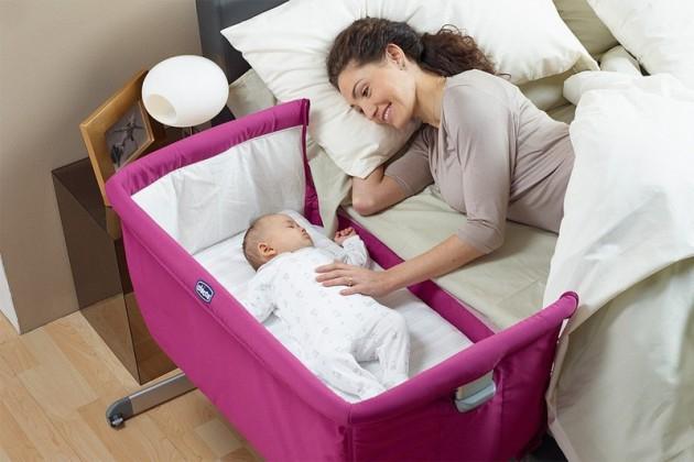 Выбираем кроватку-манеж новорожденному