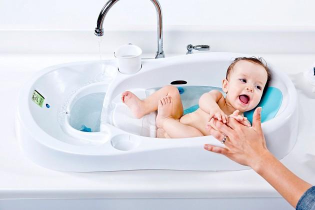 Какую детскую ванночку выбрать для купания новорожденных?