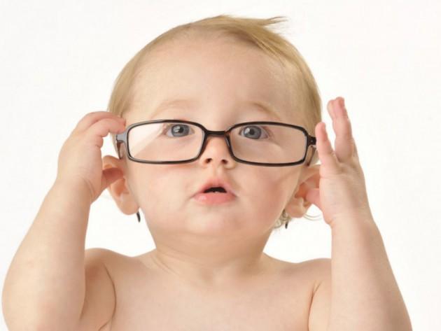 Близорукость у новорожденных и грудничков – причины появления и способы лечения