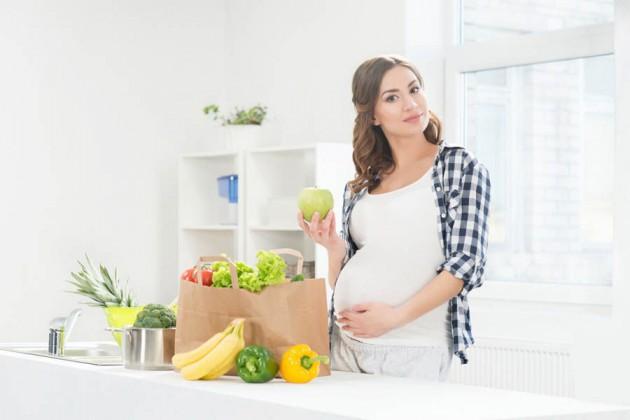 Продукты с плесенью при беременности: опасность на корочке хлеба
