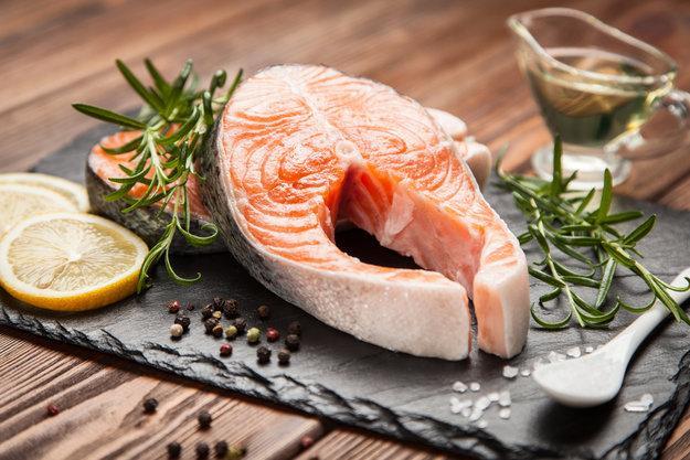 Красная рыба при беременности: вред и польза