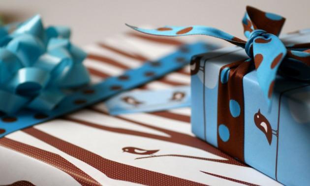 Что подарить мужчине на день рождения на 65 лет - выбираем полезный подарок