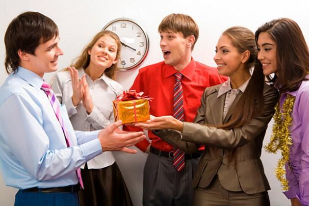 ТОП-50 идей подарка начальнику на Новый год
