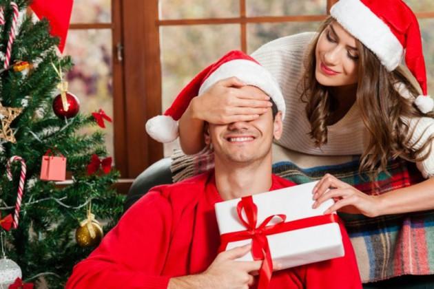 Что подарить любовнику на Новый год - идеи подарков
