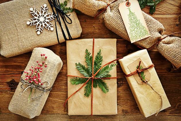 Новогодние подарки друзьям своими руками - список идей