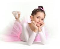 Отдавать ли ребенка в бальные танцы?