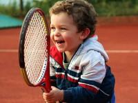 Отдавать ли ребенка в большой теннис?