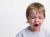 Как справиться с детскими капризами и плачем?