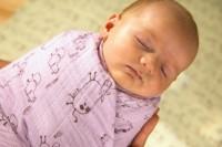 Как правильно пеленать новорожденного: основные техники