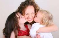 День матери: как поздравить самого дорогого человека?