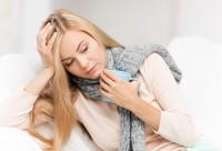 Болит горло в период грудного вскармливания: что делать?