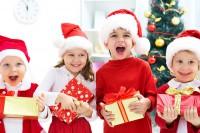 Как выбрать хороший подарок детям на Новый год в школу?