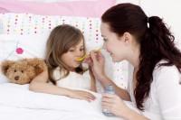 Как помочь ребенку при влажном кашле?