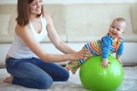 Задержка темпов моторного развития у детей до года: причины и последствия