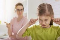 5 фраз, которые испортят отношения с ребенком