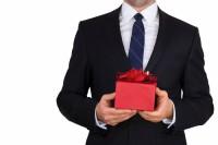 Что подарить мужчине на день рождения на 40 лет: обзор лучших подарков