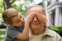 Что подарить дедушке на 23 февраля - идеи на любой кошелек