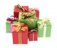Что подарить молодому и пожилому коллеге на день рождения?