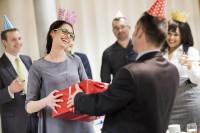 Подарки боссу на день рождения - идеи и варианты