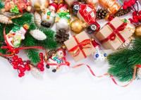 Новогодние подарки коллегам - список для мужчин и женщин