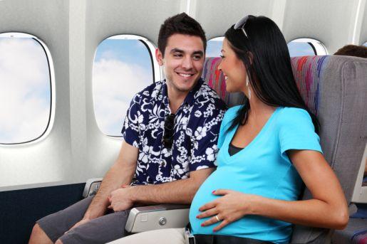 Можно ли летать на самолете во время беременности? Перелеты на разных сроках, отзывы