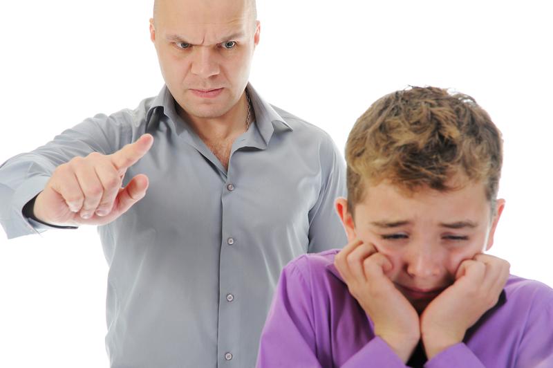 угрозы в воспитании сына отцом