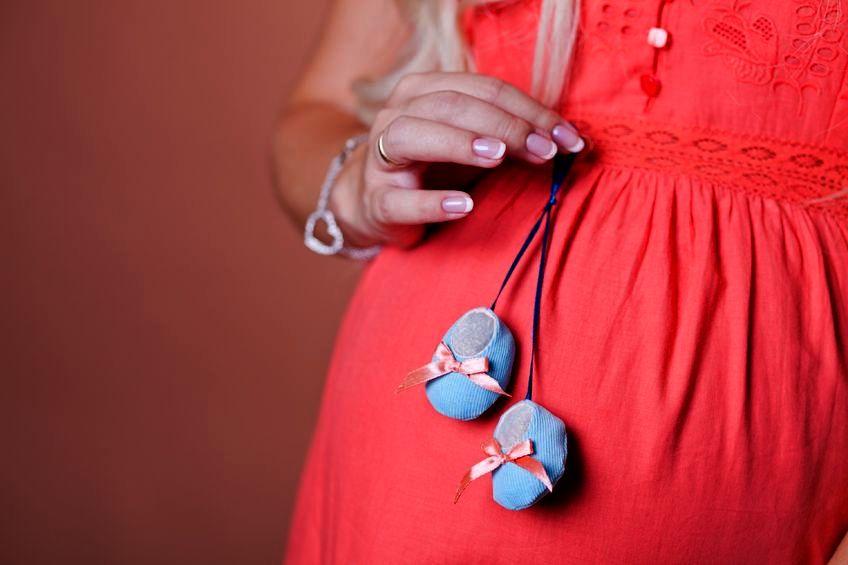 Картинка беременной девушки на аву