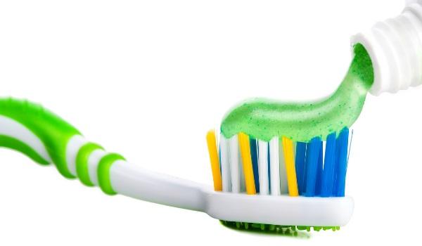 На что обращать внимание при выборе детской зубной пасты