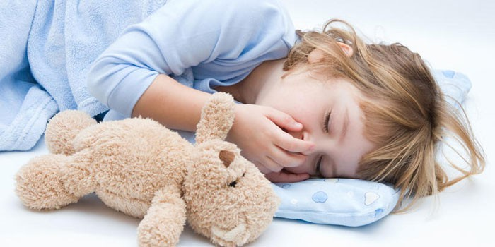 Оказание помощи ребенку при температуре и рвоте