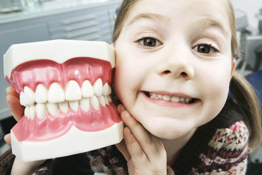 Какими аппаратами лечат кривые зубы у детей