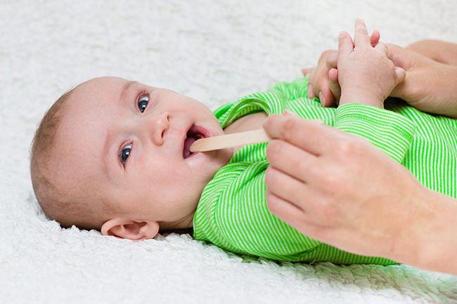 Аномалии расположения зубов у грудничков