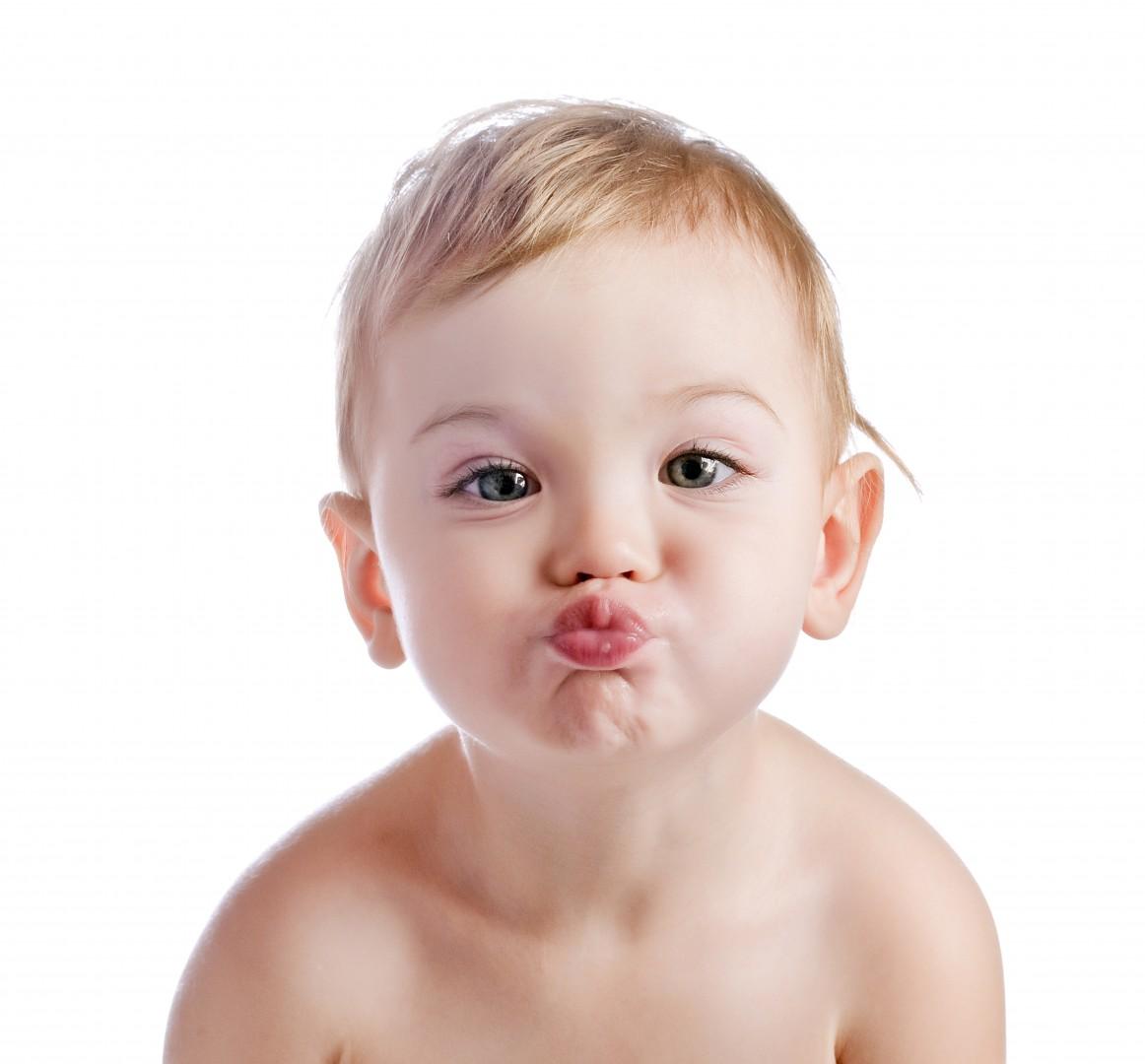 Фото воздушного поцелуя ребёнка