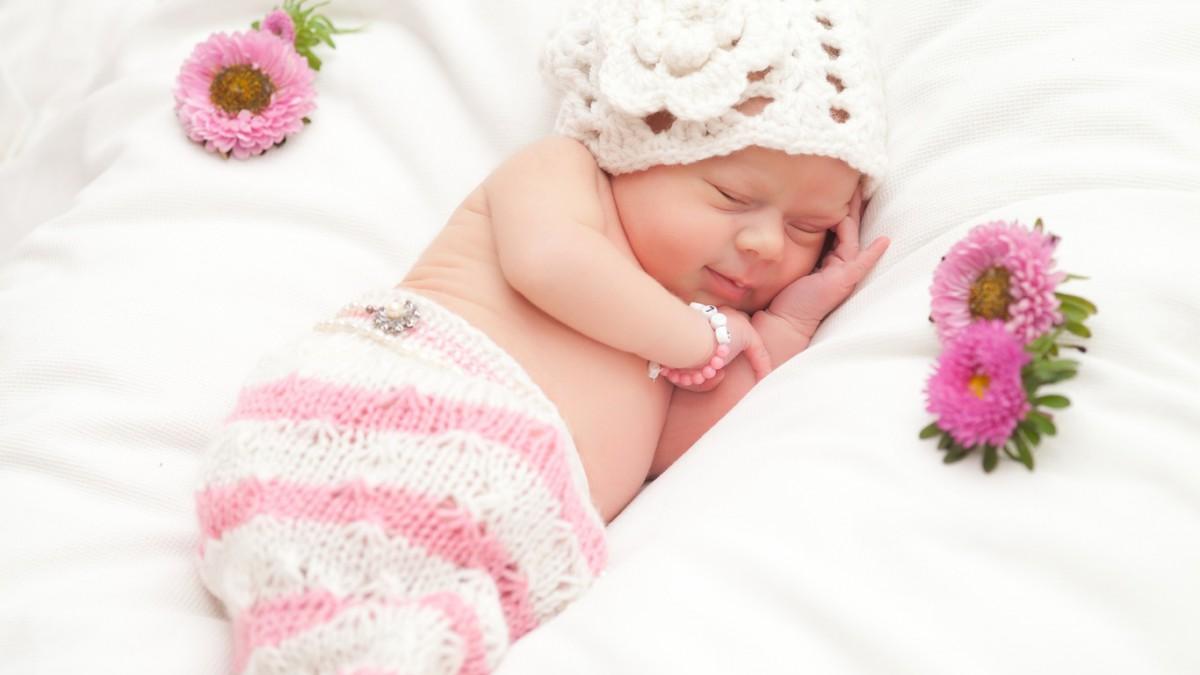 Картинки по запросу девочка новорожденная