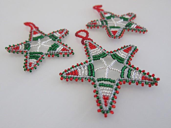 Новогодние ёлочные игрушки своими руками из бисера